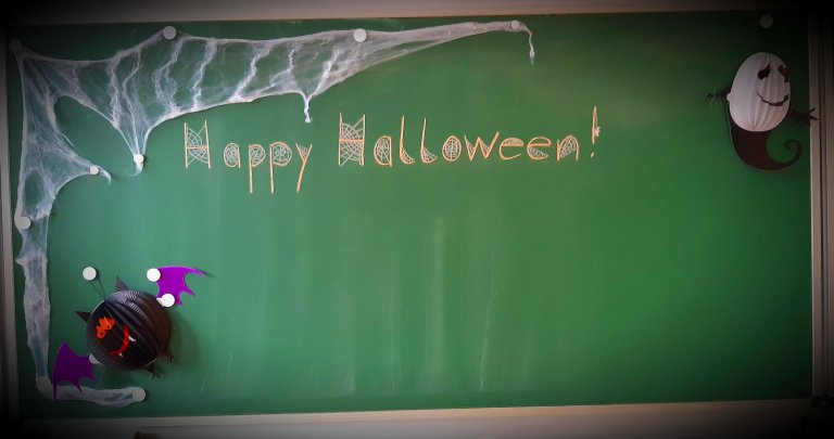 Grossansicht in neuem Fenster: Halloween 3b_Tafel